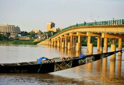 fleuve-niger-niamey-pont-kenedy.jpg